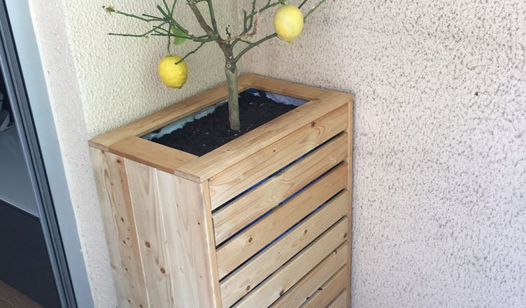 diy jardini re avec compartiment de rangement diybois. Black Bedroom Furniture Sets. Home Design Ideas